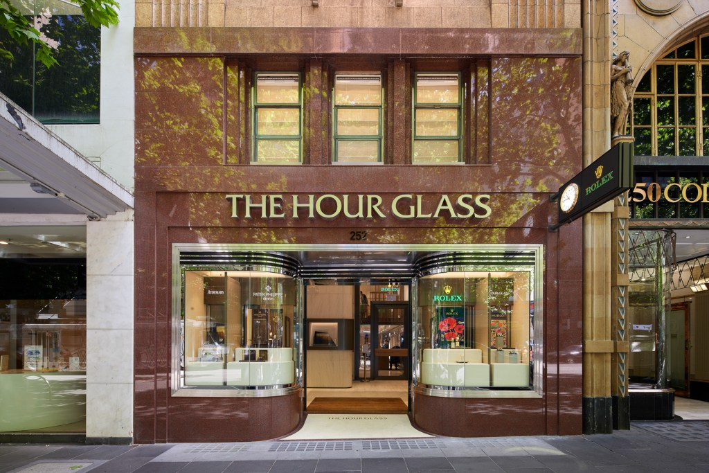Newly Re-opened The Hour Glass Melbourne